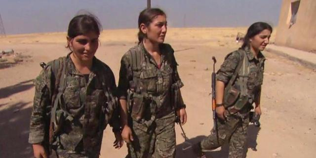 Syrian women fight ISIS 3
