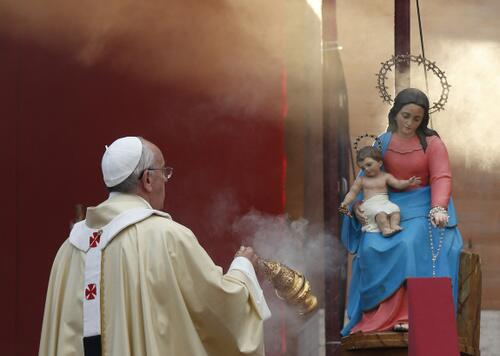 Pope with mary