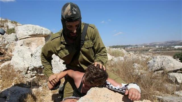 Israel OKs minors behind bars